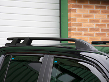 Black Aluminium Roof Bars - VW Amarok 2010>