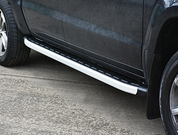 Clumber Style Aluminium Side Step - VW Amarok 2010>