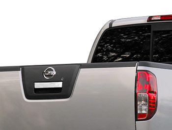 Polished S.Steel Tailgate Handle Cover - Nissan Navara 06-15