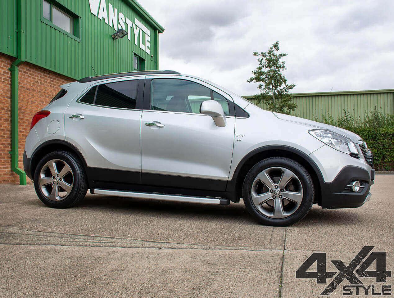 Clumber Style Aluminium Side Step - Vauxhall Mokka 2012>